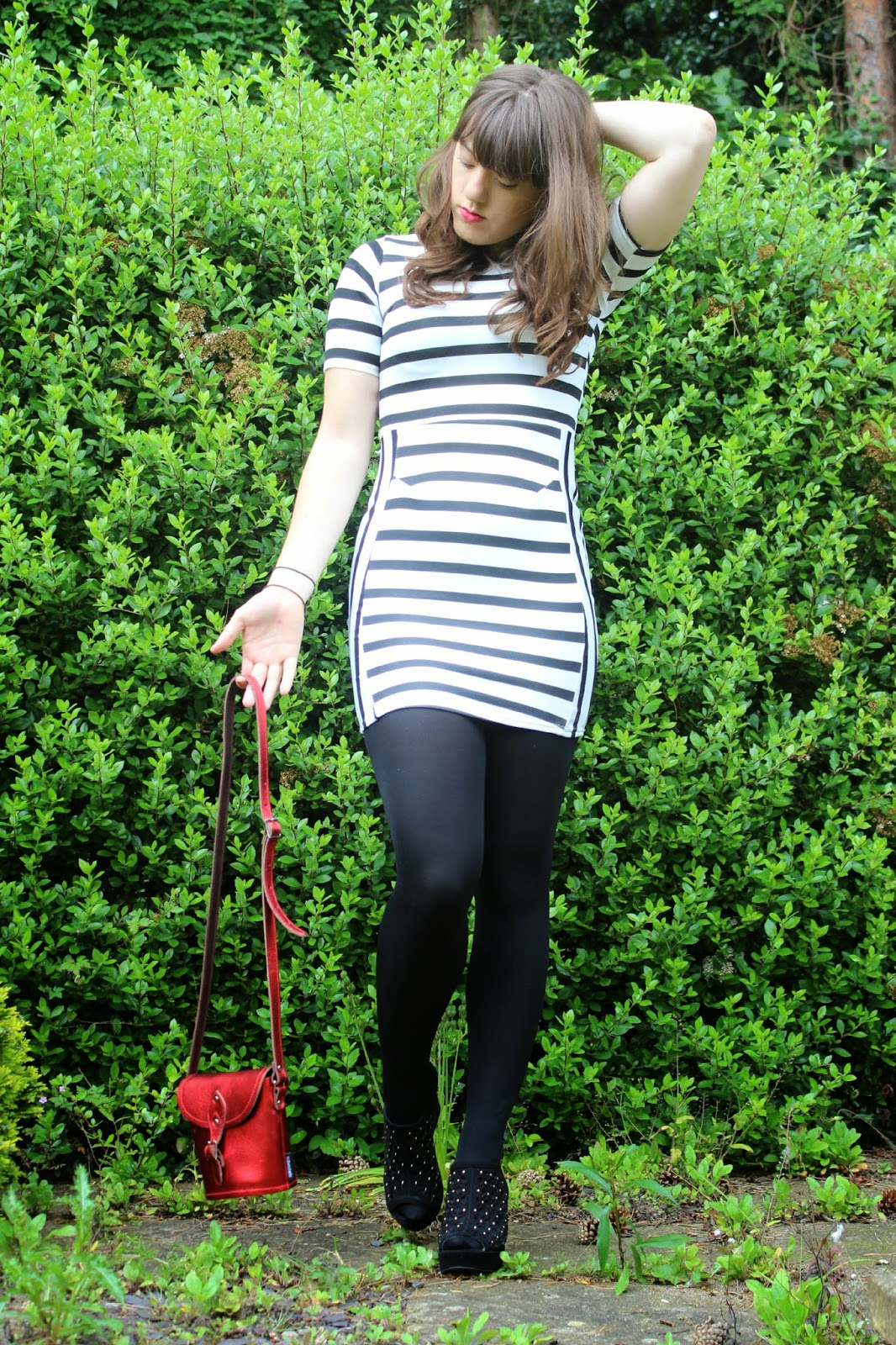 OOTD: Stripes and Scarlet